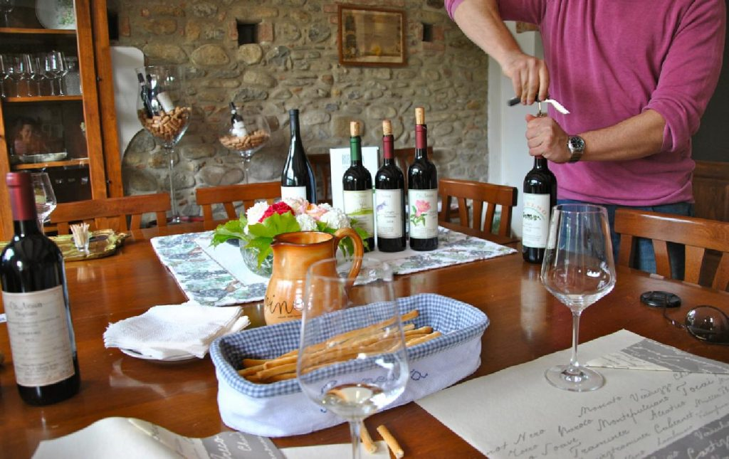Casa Vacanza Fusina (Dogliani) - Aperitivo in Cascina